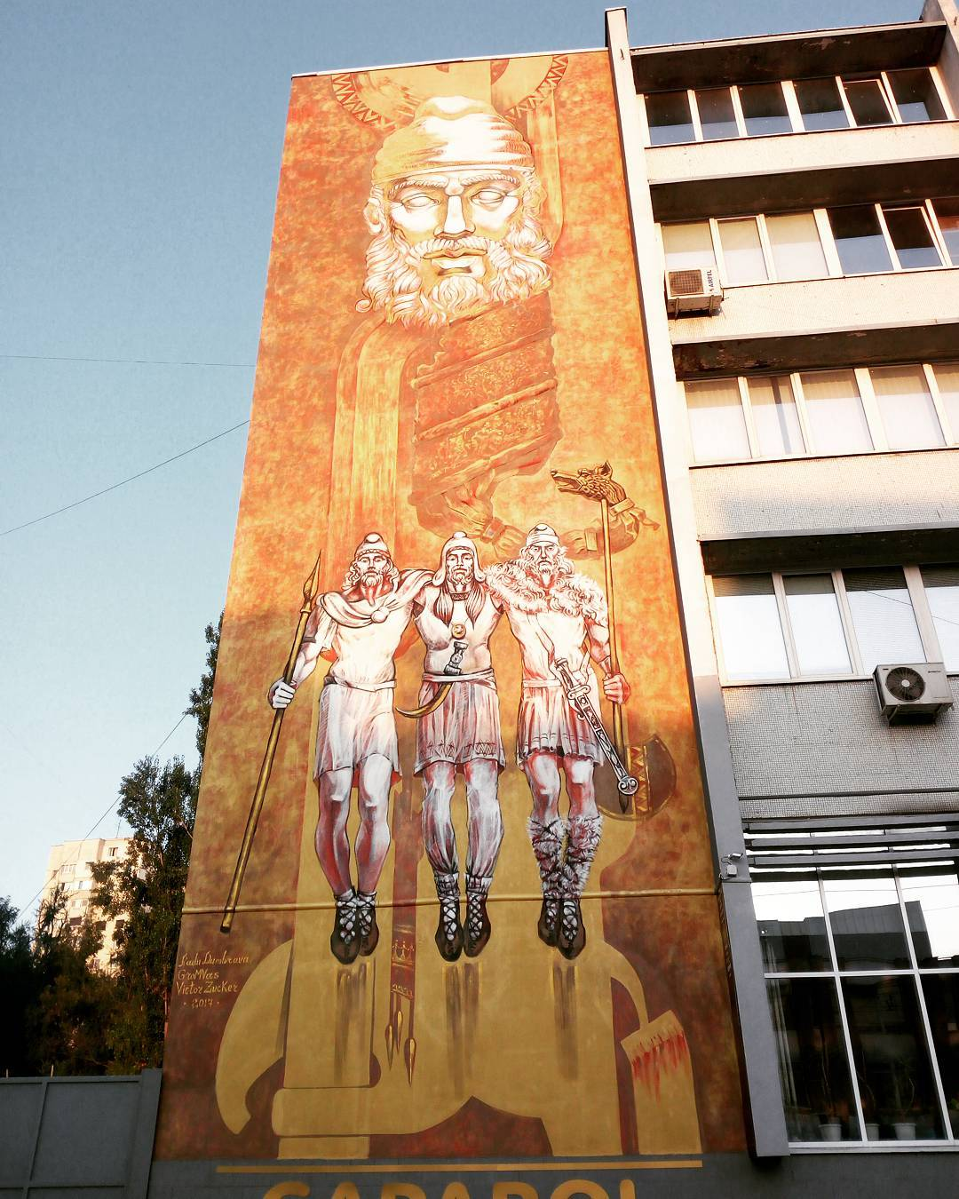 (Видео) На одном из кишиневских зданий появилось граффити с портретом Дечебала