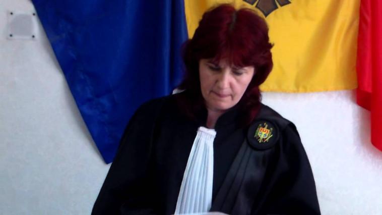 Судья будет получать пенсию в 22 000 леев и зарплату в 28 000 лей